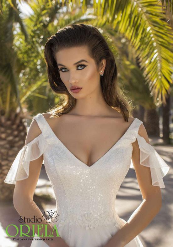 421c583079c Svatební šaty Oriela 1973 3 ...